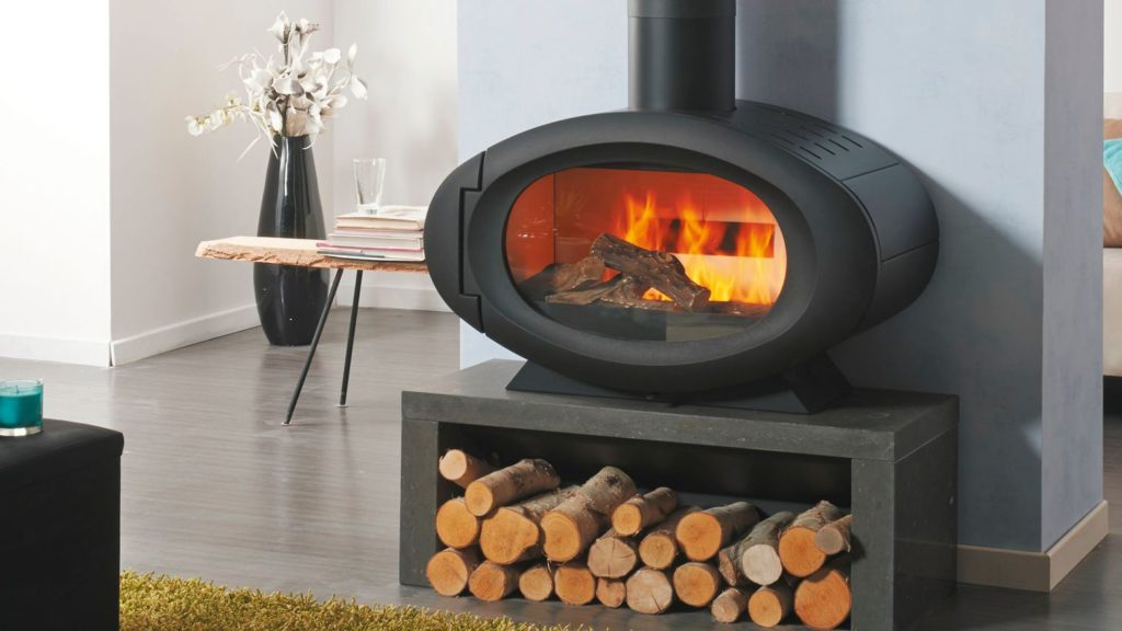 Pourquoi choisir un poêle à bois comme chauffage alternatif